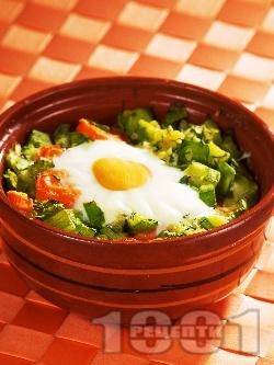 Печено гювече с моркови, тиквички, сирене, яйца и копър на фурна - снимка на рецептата